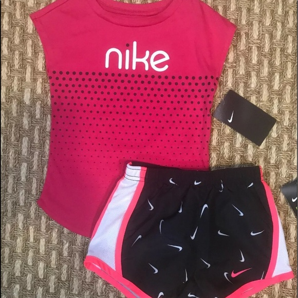 Nike Toddler Girl 2 Pc Outfit Set Dri-Fit Athletic Cut Tee Shirt /& Shorts Sz 2T